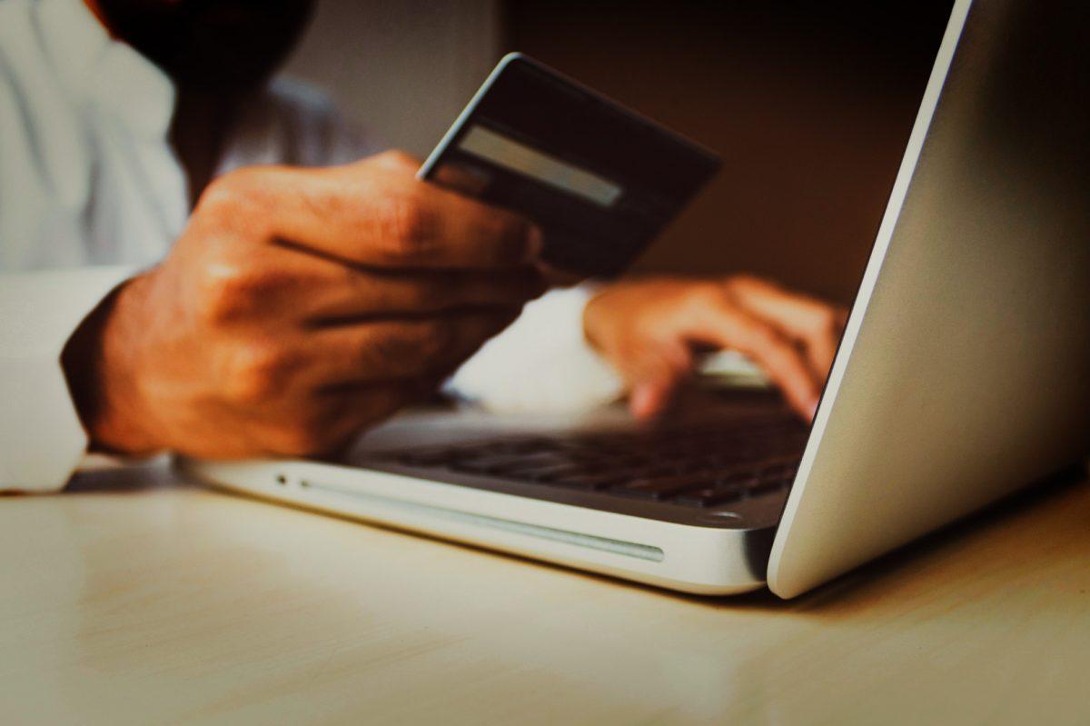 8 Ways a PIM Can Drive Revenue for a D2C Operation
